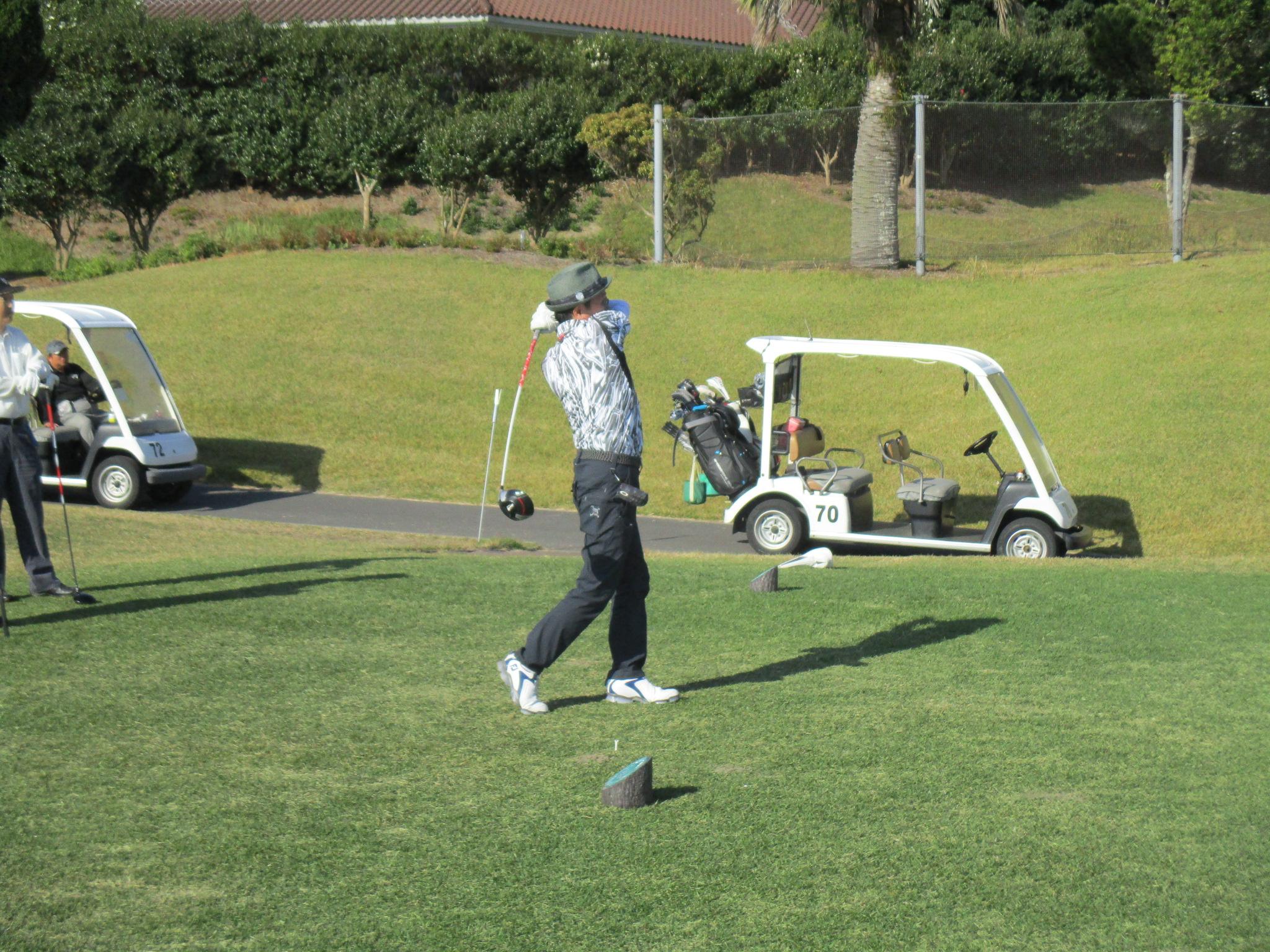 11月:ゴルフ大会
