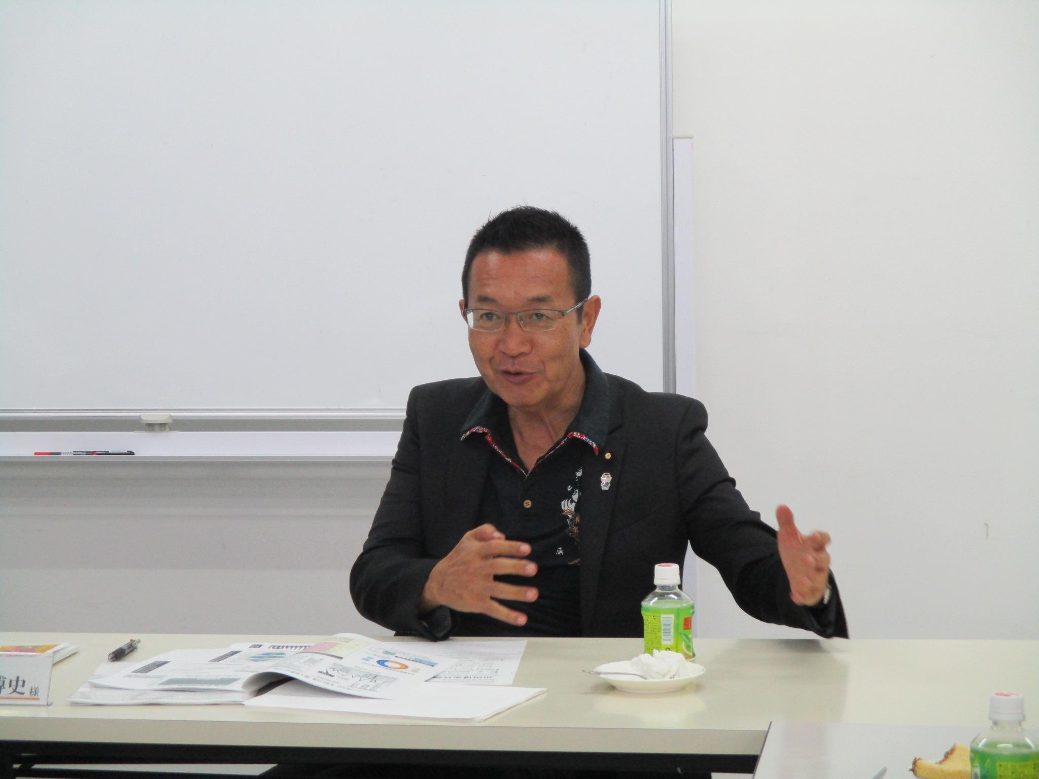 5月:川内博史代議士との懇談