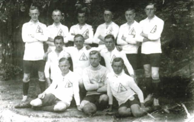 Die Fußballmannschaft des Hudemühler Sportvereins von 1921