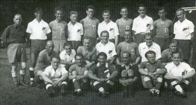 Sportfest 1949. Herrenfußballmannschaft mit Gästen von Komet Bremen