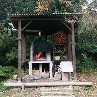 御堂園カフェのピザ窯