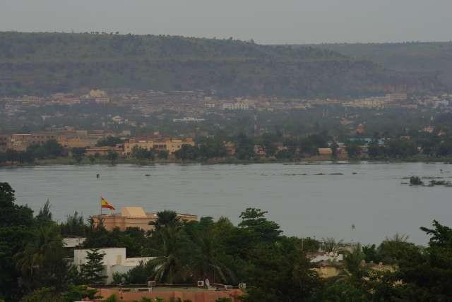 Le fleuve Niger sépare Bamako en deux