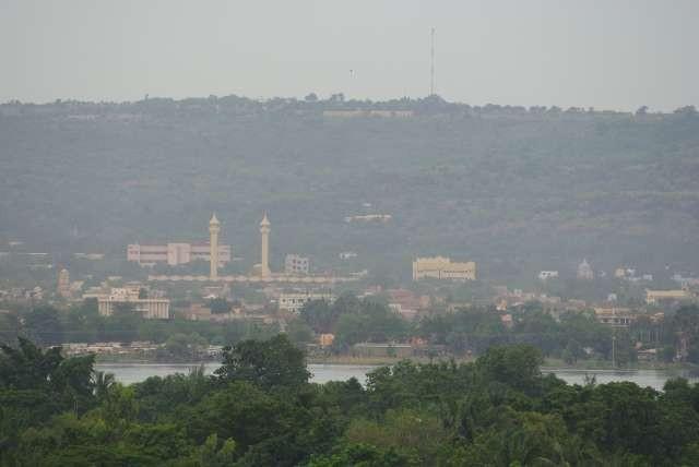 La grande mosquée de l'autre côté du Niger
