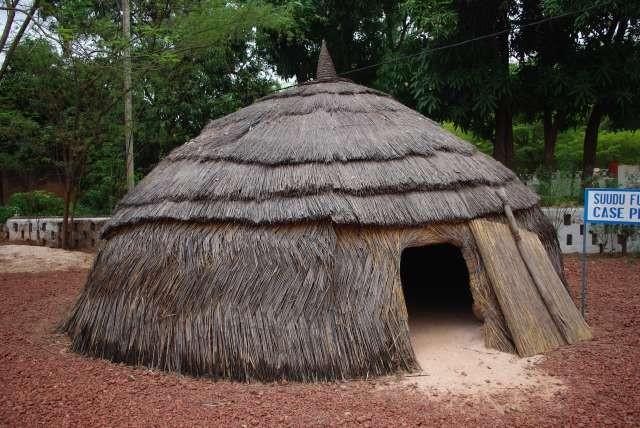 Case traditionnelle peuhle – reconstitution