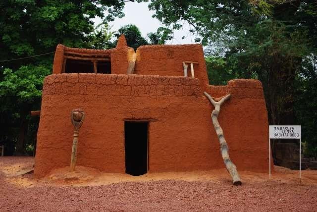 Maison traditionnelle bobo – reconstitution