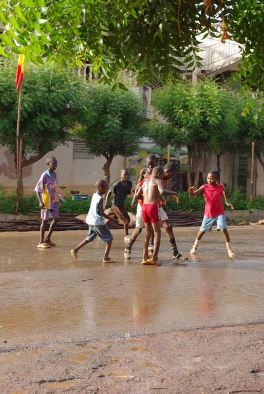 Football sous la pluie (2)