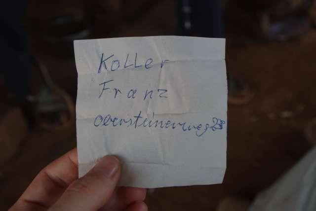 Et dans la poche d'un des manteaux... Franz Koller, on pense à toi !