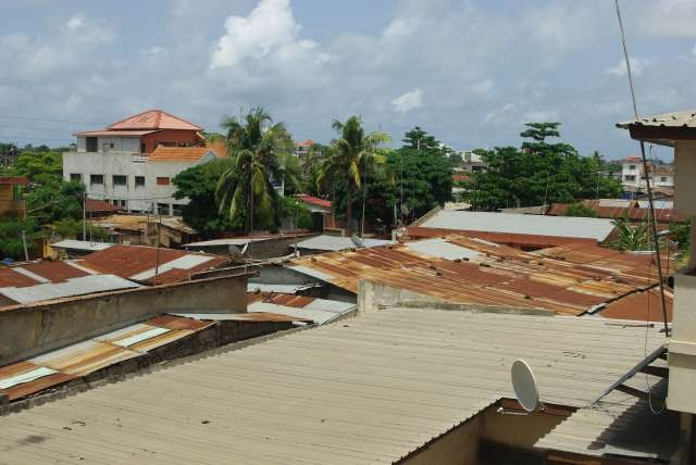 Toits de Cotonou