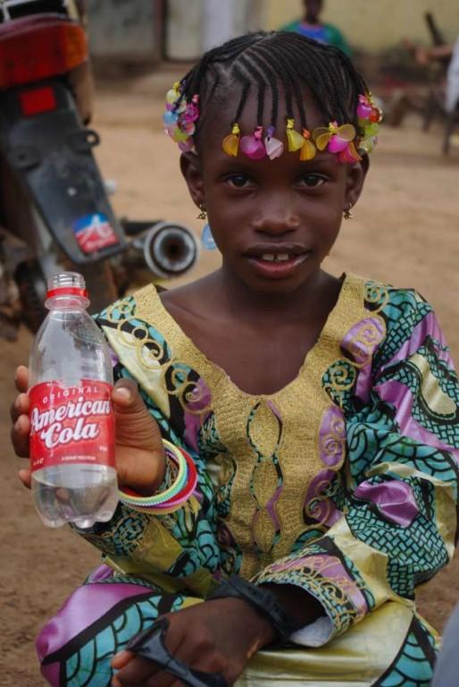 Une nièce d'Amadou : coiffure de fête !
