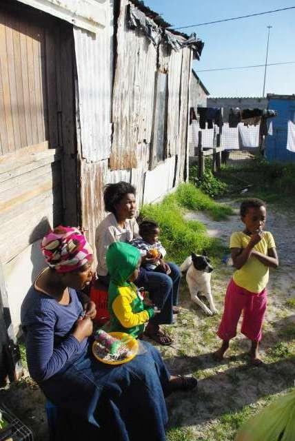 Khayelitsha, township de Cape Town, femmes au travail