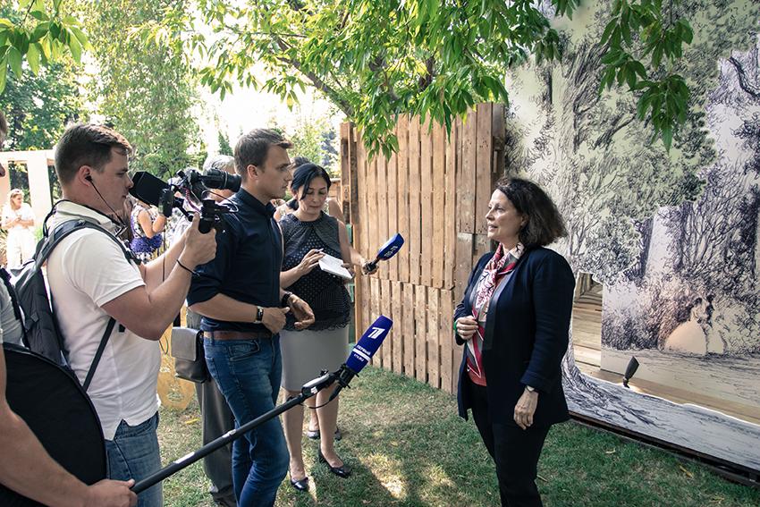 Inauguration du Jardin avec Madame l'Ambassadeur de France à Moscou
