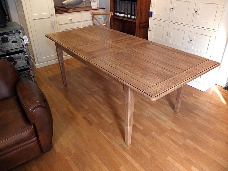 Tisch Normandie mit einer Verlängerung