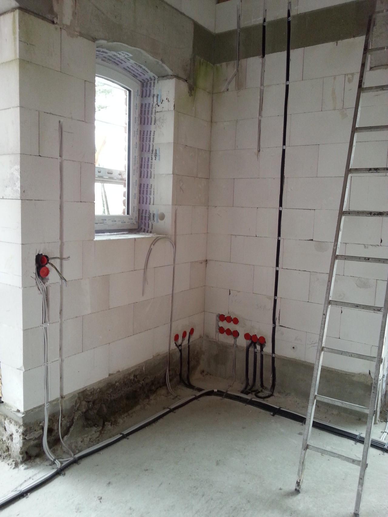 Steckdosen + Schalter Wohnzimmer