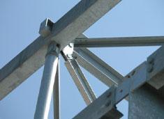 Pièces métalliques pour le bâtiment traitées par la société Poudrex