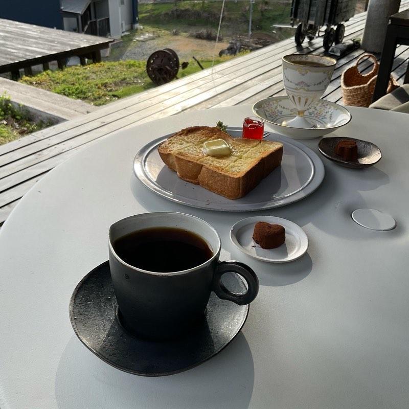『山の上のカフェ』