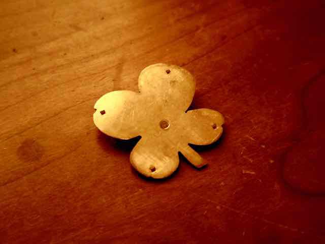 四つ葉のクローバー  花型 真鍮ブローチ 京都手作り市、岐阜手作り市にて販売します。