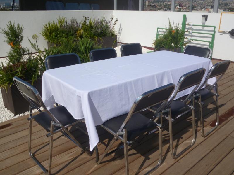Renta de sillas plegables acojinadas en monterrey for Mesas redondas plegables para eventos