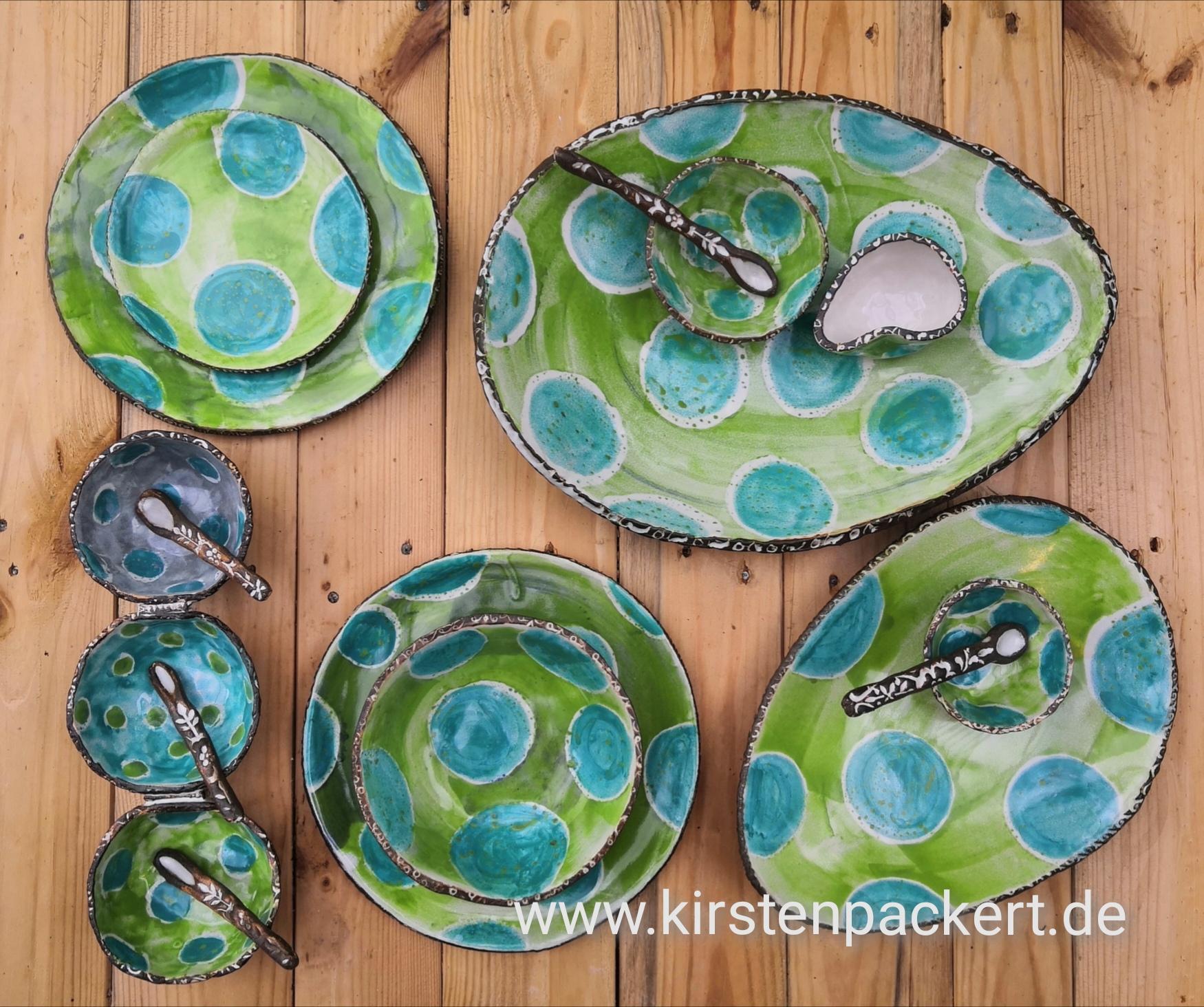 Schale oder Teller mit Dippschälchen