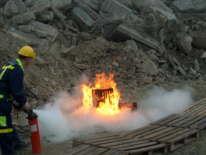 CO2 - bei Flüssigbränden - auch nicht wirklich ein gut wirkendes Einsatzmittel