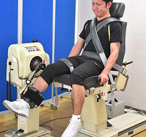 BIODEX system 3:筋力を測定することができます。