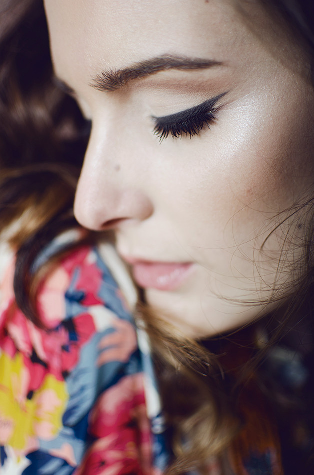 Make Up et Hair: Teva Quesada Maquilleur, Modèle: Laura, Dress code: Chic & Cheap Concept-Store Montpellier