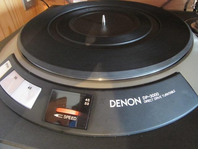 デンオンのアナログレコードプレイヤー