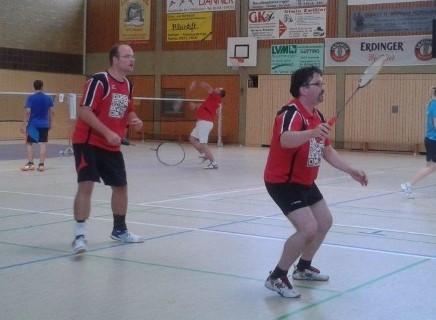 Auch das Herren-Doppel mit Kurt Walter (vorne) und Martin Wühl   war für die DJK Hockenheim erfolgreich