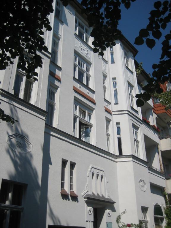 Klassische Stuck-Altbauwohnungen in Schöneberg