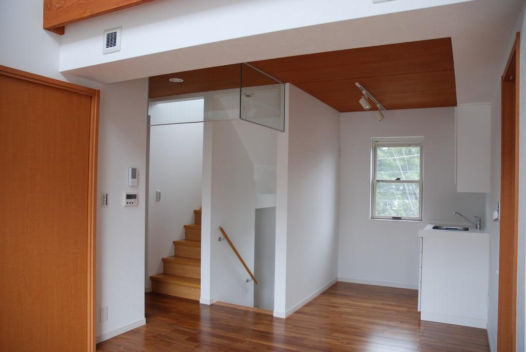階段・ミニキッチン