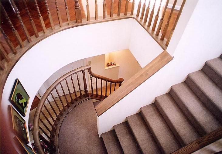 Kさんの家(杉並区) 階段2 階段を見下ろす