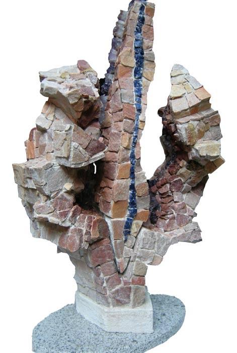 Enchassement 1 Améthyste, quarzite, grès 2009 Hauteur:90cm.  1200€