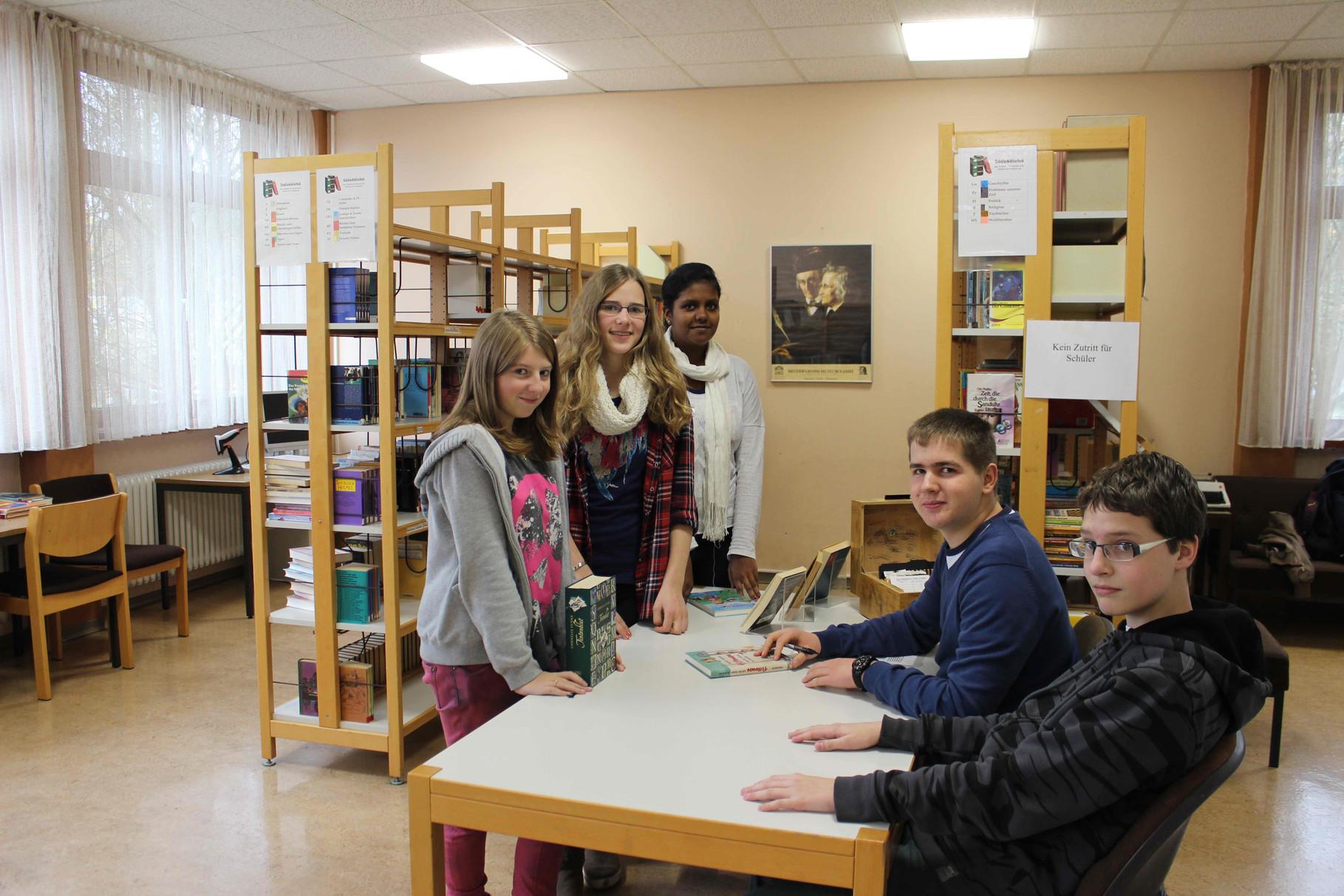 """AG Schülerbücherei wartet auf """"Kundschaft"""""""