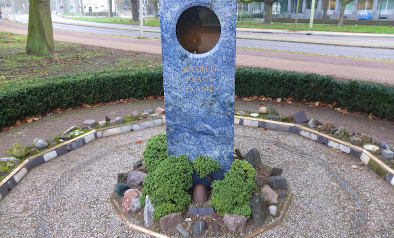 World Peace Flame und Weltfriedenspfad