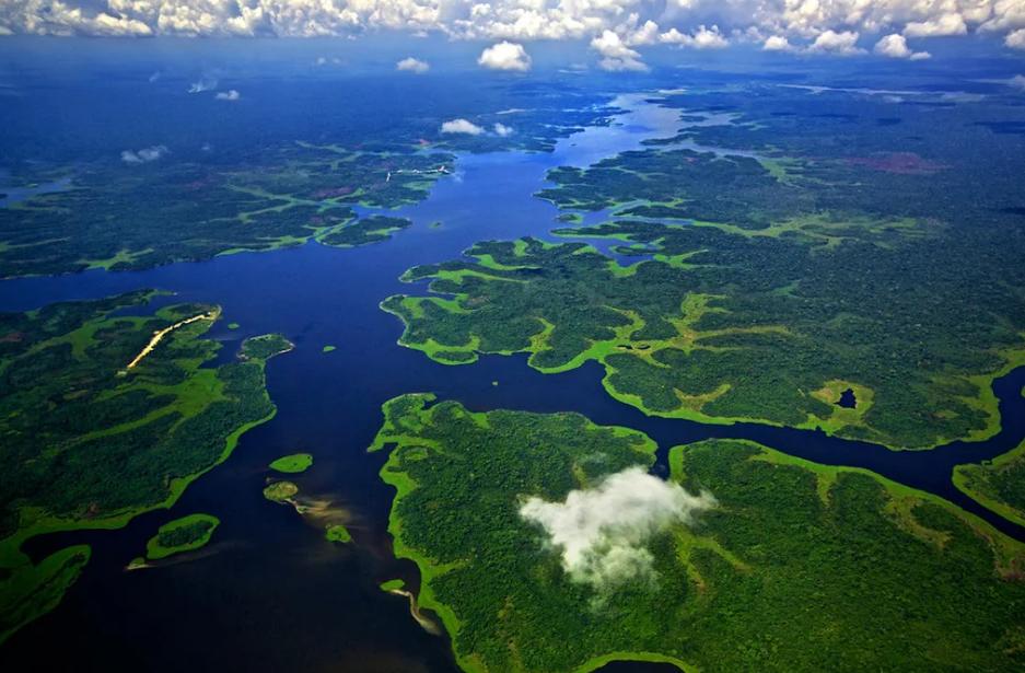 El Lago Imiría