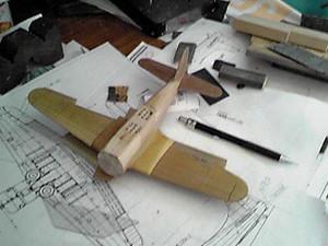 木を削って作ります(2012.12.03)