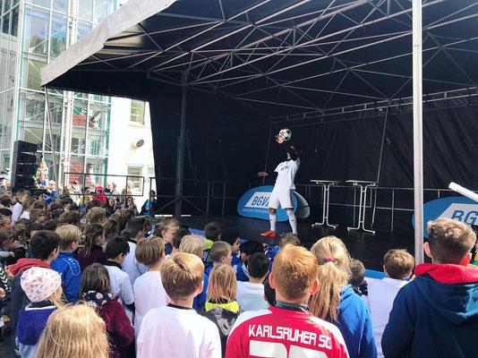 Fußballshow Saki - Bühnenshow