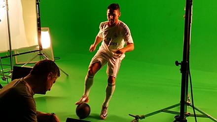 Fußball Freestyler für Werbung als Fotomodel