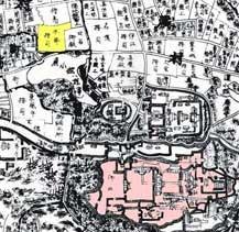 王朝時代の本部御殿(黄色)。御殿の敷地は千坪以上あった。下は首里城。
