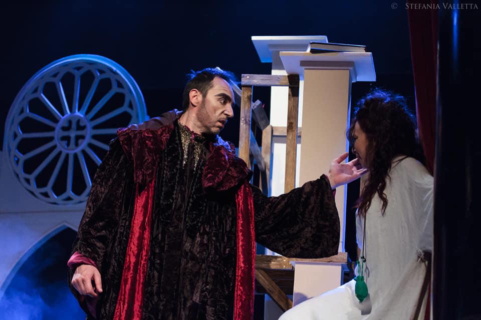 Don Claudio Frollo ed Esmeralda