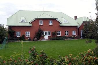 Haus mit 4 Ferienwohnungen im Sönke-Nissen-Koog