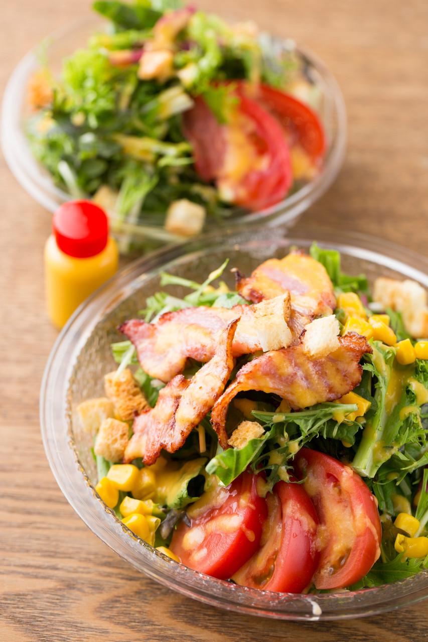 もちろんサラダも 京都産野菜 たっぷり使ってます!! 珍しい野菜も ありますよー