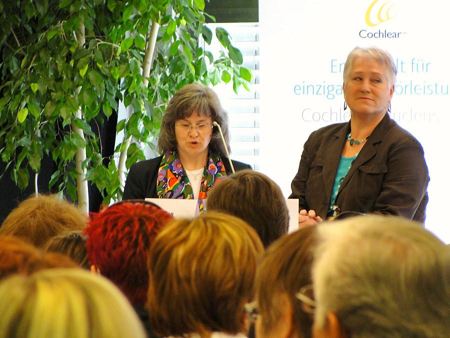 Mag. Brigitte Slamanig, Brigitte Adelwöhrer bei der Eröffnungsrede