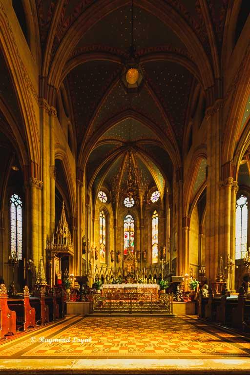 zagreb kathedrale kirche mittelschiff