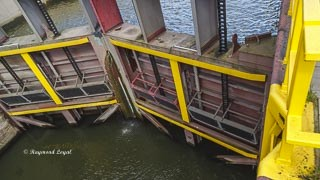 rhein-herne-kanal schleuse oberhausen schleusentor