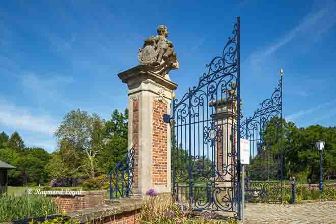 lembeck castle gate