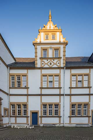 neuhaus castle house fuerstenberg