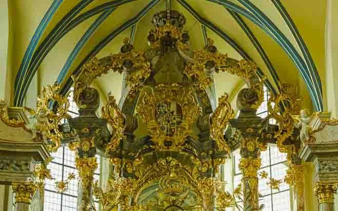 schlosskirche bruehl wappen