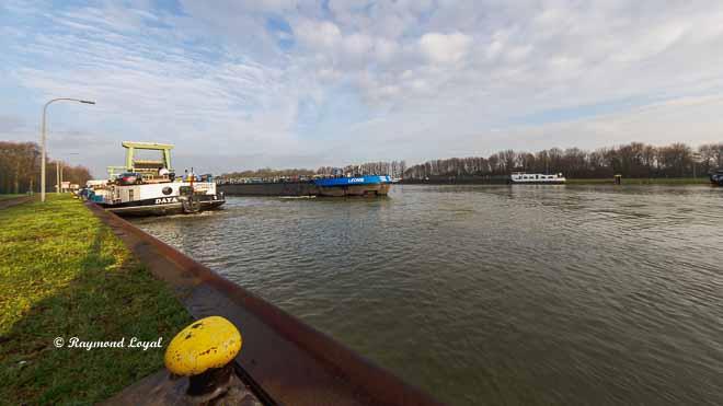 wesel-datteln-kanal schleusengruppe friedrichsfeld schiff wasser