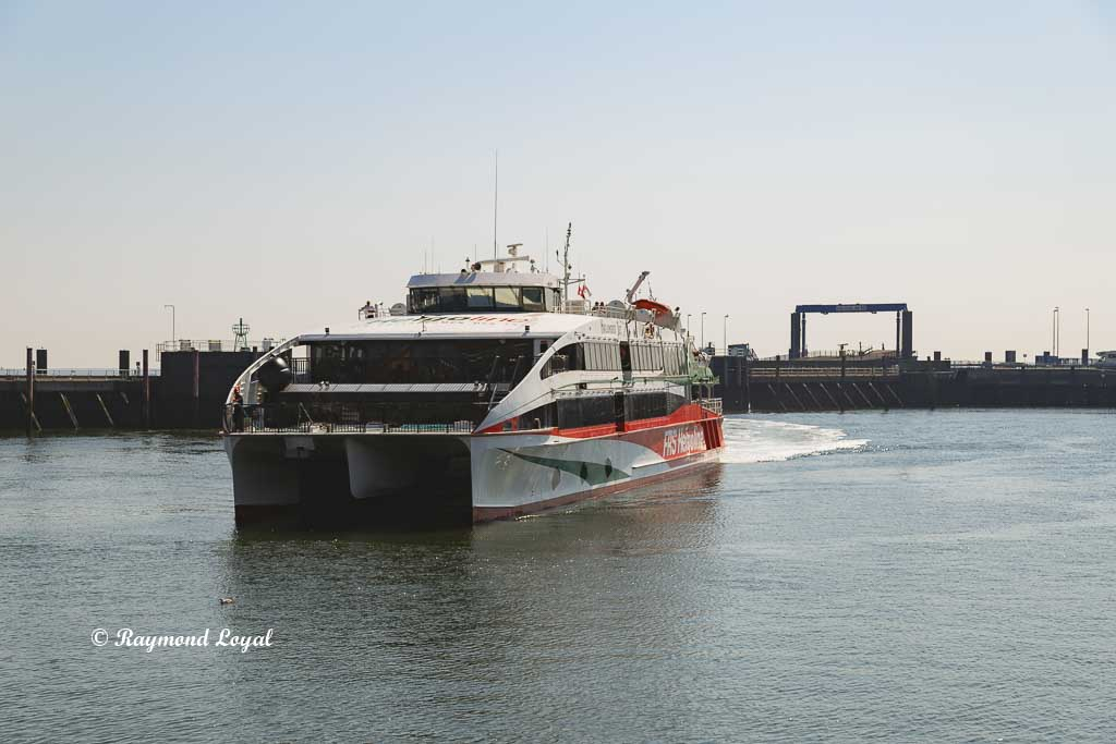helgoland ferry image