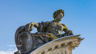 schloss nordkirchen frauentor skulptur wappen